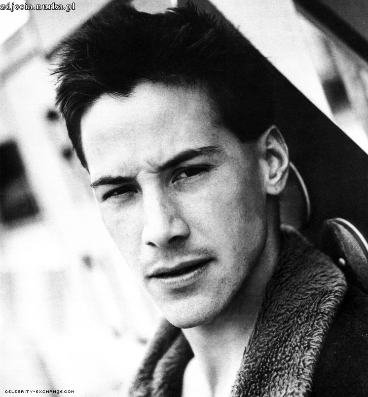 http://alizarinred.files.wordpress.com/2009/03/keanu-reeves-2.jpg