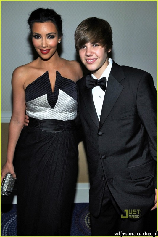 http://images2.fanpop.com/image/photos/11800000/jessica-simpson-white-house-correspondents-dinner-02-jpg-justin-bieber-11895162-815-1222.jpg