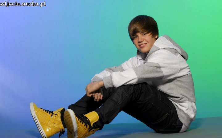 http://images2.fanpop.com/image/photos/11800000/new-unknown-photoshoot-justin-bieber-11820954-720-449.jpg