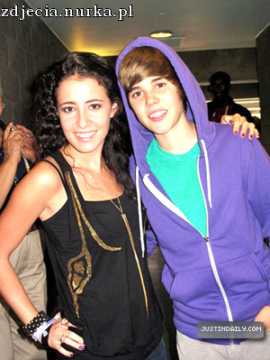 http://images2.fanpop.com/image/photos/13200000/Personal-Pictures-With-Celebrities-justin-bieber-13256895-300-399.jpg