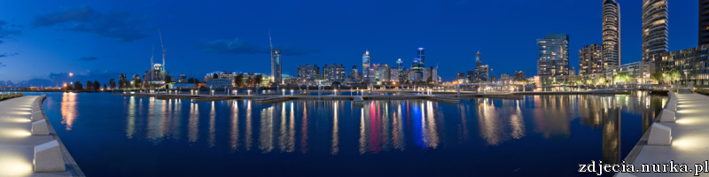 http://upload.wikimedia.org/wikipedia/commons/f/f7/Melbourne_Docklands_-_Yarras_Edge_-_marina_panorama.jpg
