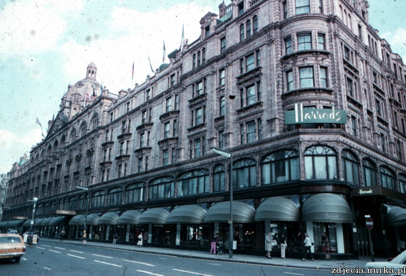 http://www.travel-tidbits.com/tidbits/London%20Harrods.jpg