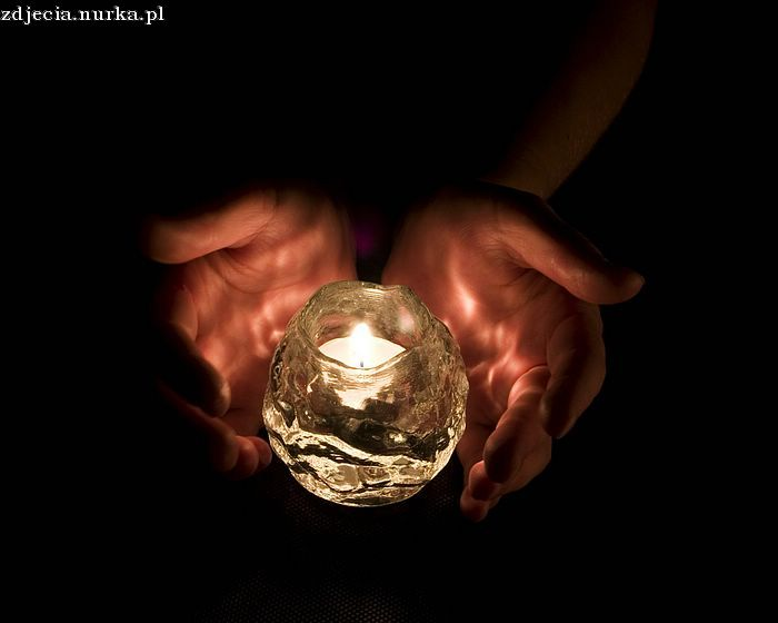http://www.wallcoo.com/photograph/candle_light/images/candle_wallpaper_candle_1005.jpg